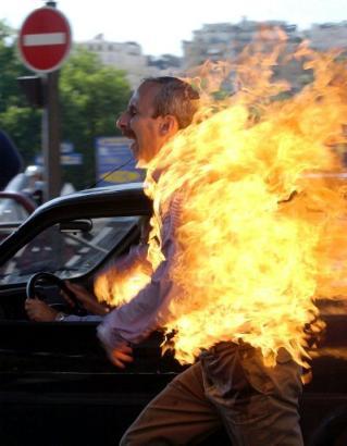 Tres Canciones, 66: La Inercia on fire!