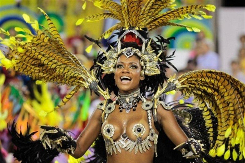 Carnaval-de-Rio-de-Janeiro_54366494114_54028874188_960_639